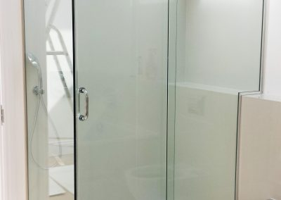 bespoke shower enclosure2
