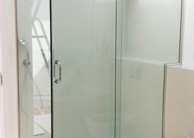 bespoke shower enclosure2