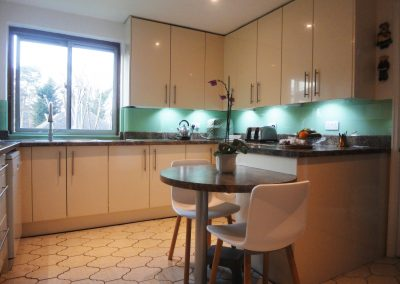 light turquoise kitchen splashbacks