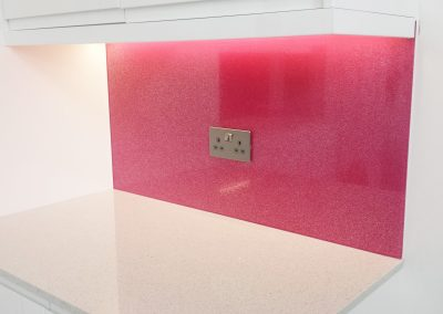 pink sparkle glass splashback