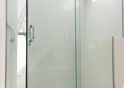 toughen glass shower enclosure