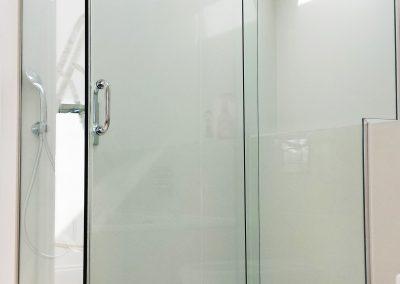 toughen glass shower enclosure
