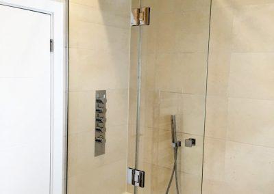 toughened glass shower screen
