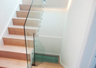 Frameless stair balustrade clear toughened glass