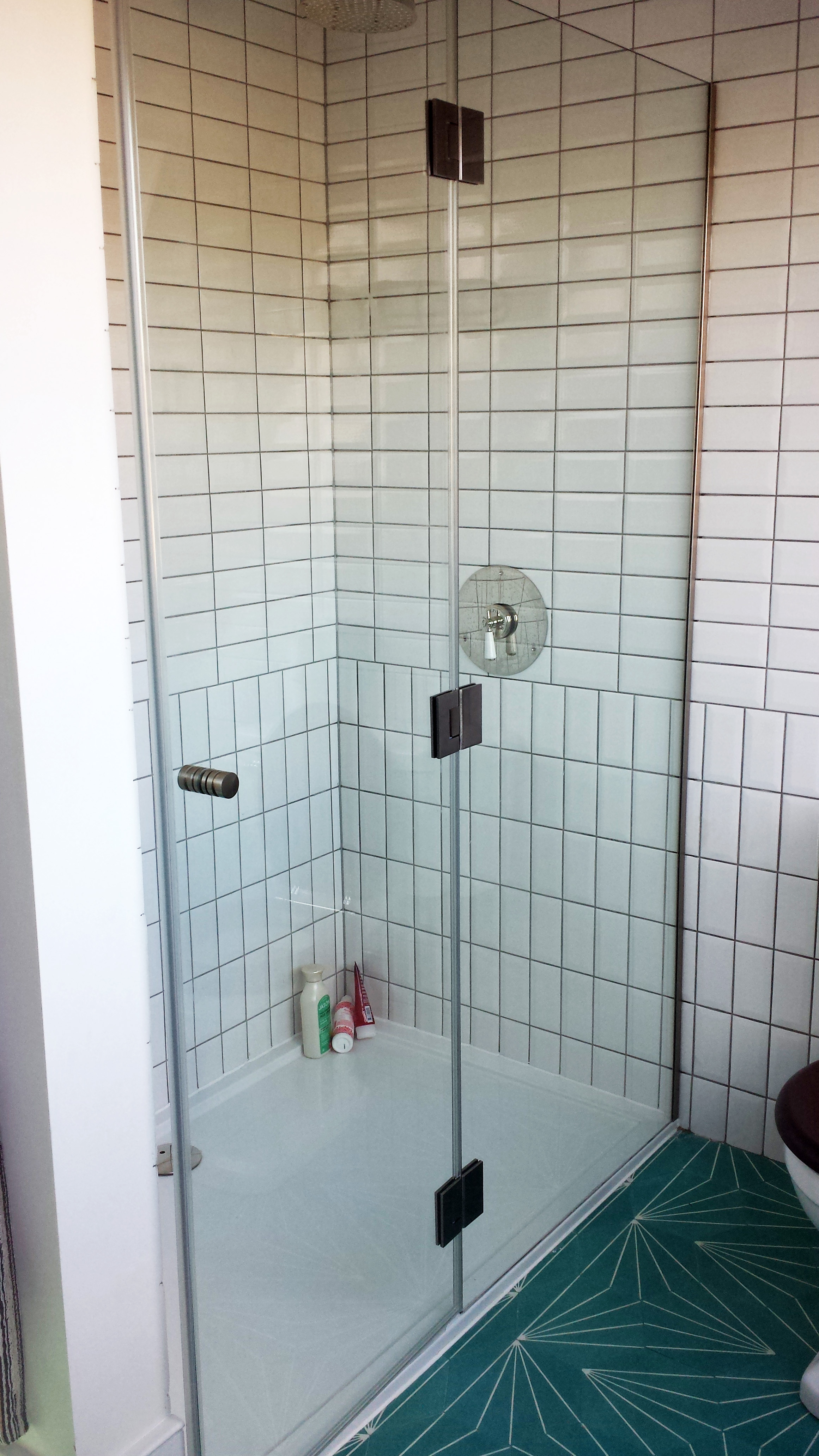 Showers Glass Outlet