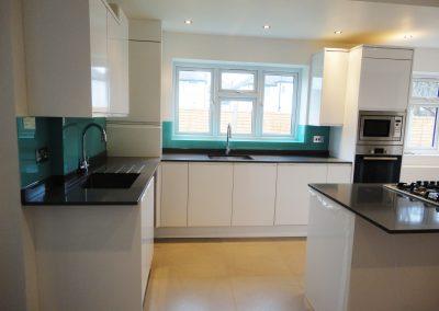 turquoise kitchen splashback 2
