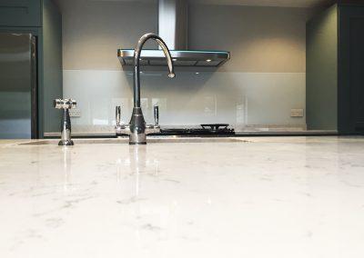 white painted kitchen splashback